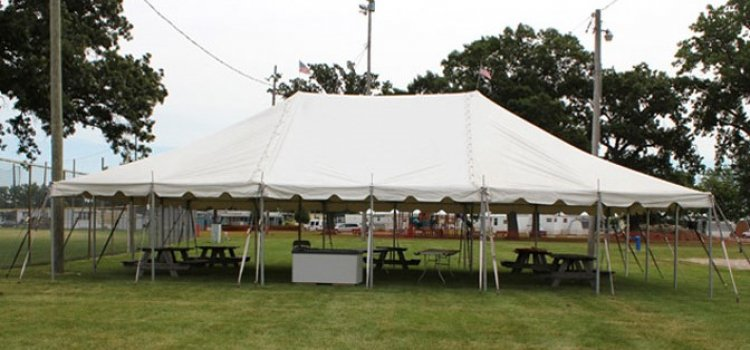30x45 Pole Tent  (144 people)