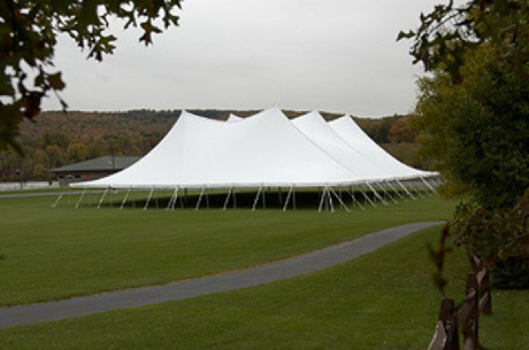 80x120 Pole Tent (1200 people)