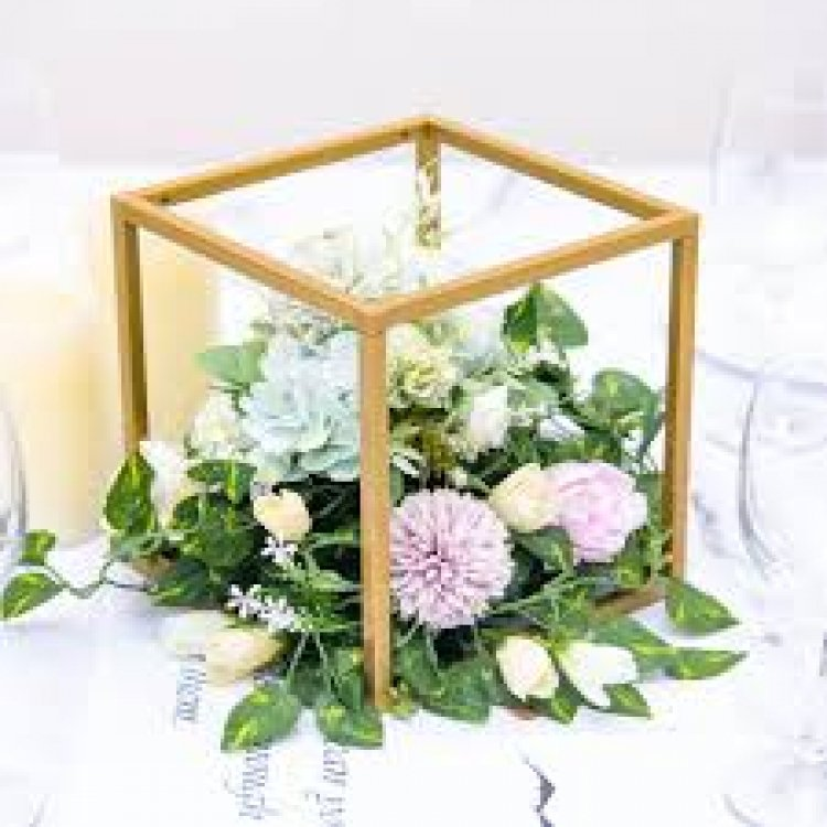 8 Square Gold Metal Wedding Flower Stand   Geometric Center